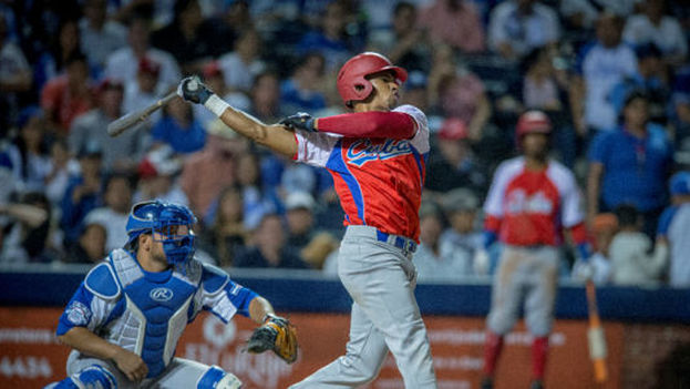 Cuba ha ganado dos de los tres juegos del tope, concebido como parte del entrenamiento para el veraniego encuentro deportivo en Colombia. (La Prensa)