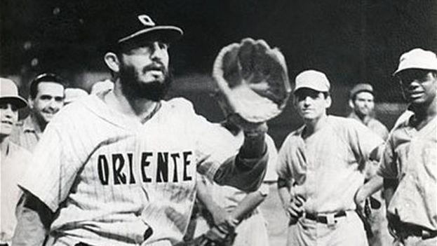 Fidel Castro promovió un modelo de béisbol desde su llegada al poder que a día de hoy se puede dar por muerto. (Archivo)