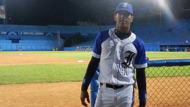 El jugador del equipo Industriales Hasuán Viera Leyva, está en República Dominicana para convertirse en agente libre. (Facebook)