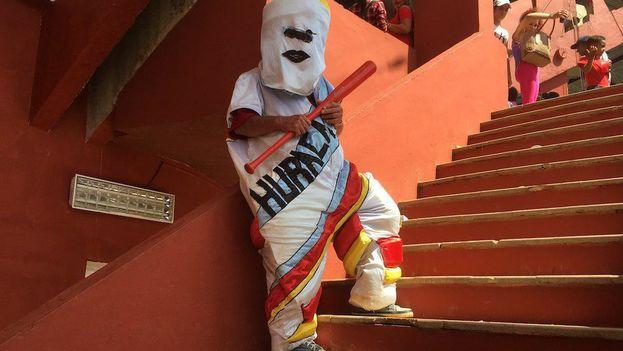 La mascota del equipo de béisbol de Mayabeque representa a un huracán, esos enloquecidos vientos que en la temporada ciclónica azotan la Isla. (14ymedio)