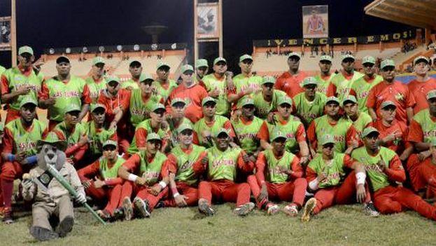 Los campeones de Las Tunas ya tienen que empezar a prepararse para ir a pelear la Serie del Caribe en Barquisimeto. (Granma/Ricardo López Hevia)