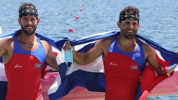 El oro en Tokio de la pareja cubana llega después de que quedaran en sexta posición en esta misma prueba en Río 2016. (EFE)