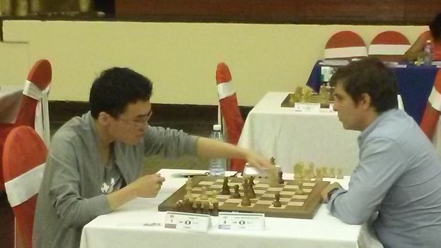 Yu Yangyi y Lázaro Bruzón. (14ymedio)