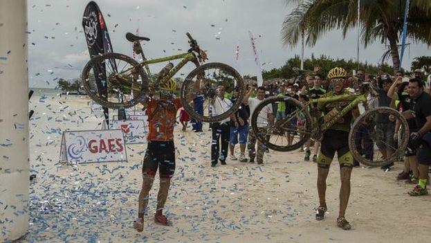 El ganador de la carrera, Diego Tamayo. (@TitanTropicCuba)