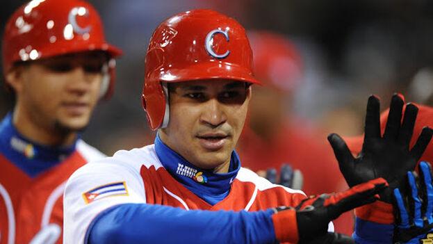 El jugador, de 41 años, espera poder seguir ligado al béisbol por más tiempo. (Escambray)
