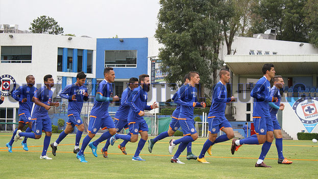Los jugadores del Cruz Azul durante un entrenamiento. (Cruz Azul FC)