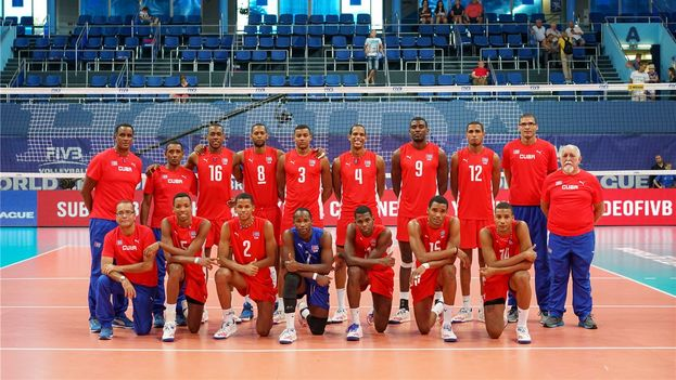 Seis miembros del equipo cubano de voleibol permanecen detenidos en Finlandia sin que la prensa haya explicado de qué delito se les acusa. (Volleyball World League)