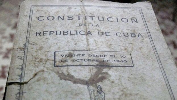 Folleto con el contenido de la constitución cubana de 1940. (Manuel Díaz Mons)