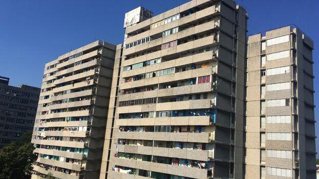 Este 9 de mayo se cumplieron 35 años de que ocupamos este edificio IMS-14 modelo yugoslavo. (14ymedio)