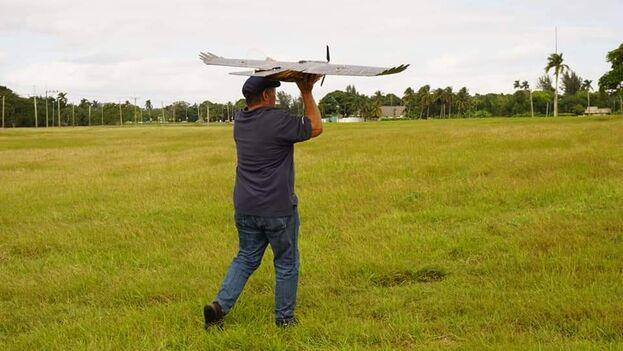 AlaSoluciones, que desarrolla vehículos aéreos no tripulados, destinados a la industria y los servicios, es una de las empresas privadas aprobada por el Gobierno. (negolution)
