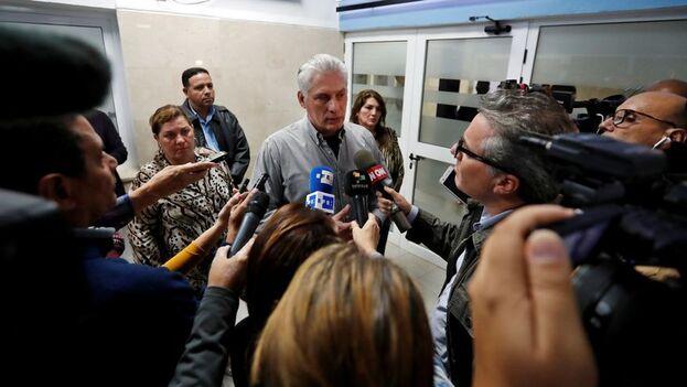 Díaz-Canel aseguró que se informará a la población sobre las decisiones que puedan tomarse sobre el asunto. (EFE)