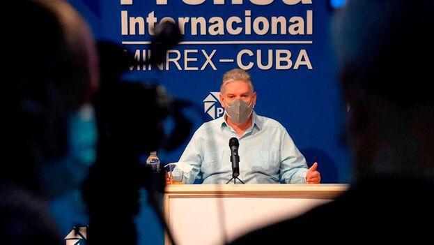 """El ministro de Economía, Alejandro Gil, reconoció que la situación sigue siendo """"compleja"""". (EFE)"""