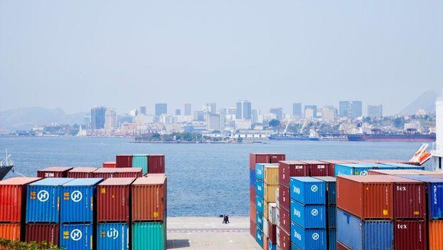 Contenedores de transporte marítimo (@elBID)