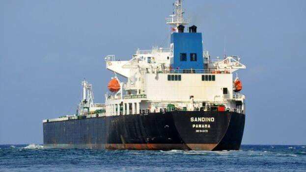 El buque 'Sandino' ya fue sancionado por el Departamento del Tesoro de EE UU, pero ha seguido trasegando crudo. (Shipspotting.com)