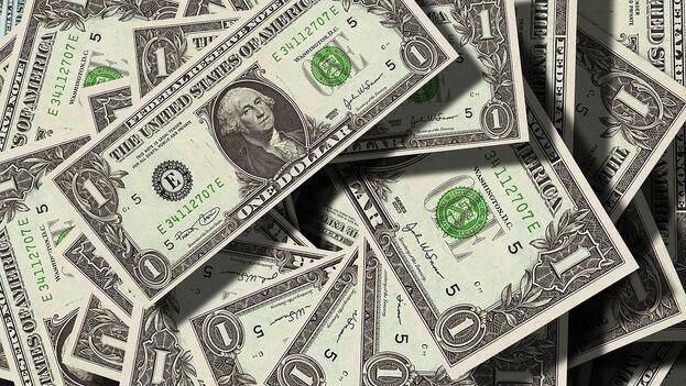 El billete verde está apreciándose de manera sorprendente frente a las dos principales monedas europeas. (Pixabay)