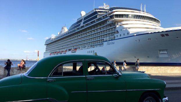 El crucero 'Marina' atracado en el muelle de La Habana. (14ymedio)