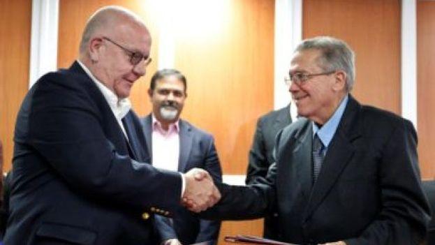 Suscriben Cuba y autoridades portuarias de Houston memorando de cooperación comercial