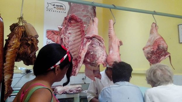 """The butcher """"The Golden Pig"""" in Havana. (14ymedio)"""