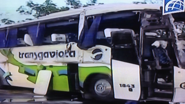 Transgaviota bus involved in an accident. (Image taken from the primate time television news)