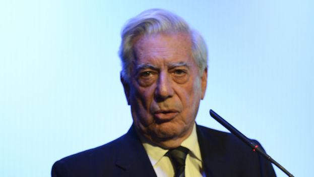 El escritor Mario Vargas Llosa en el VII Foro Atlántico. (Casa de América)