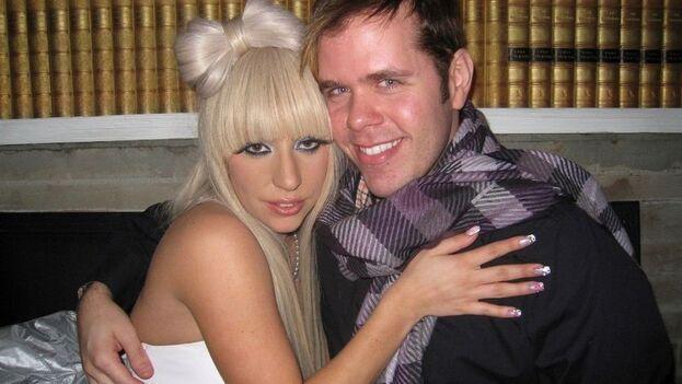 """Pérez Hilton habla de cómo su """"adicción"""" a la fama lo llevó a socializar con artistas de la talla de Amy Winehouse, besar a John Mayer y ser traicionado por Lady Gaga. (EFE)"""