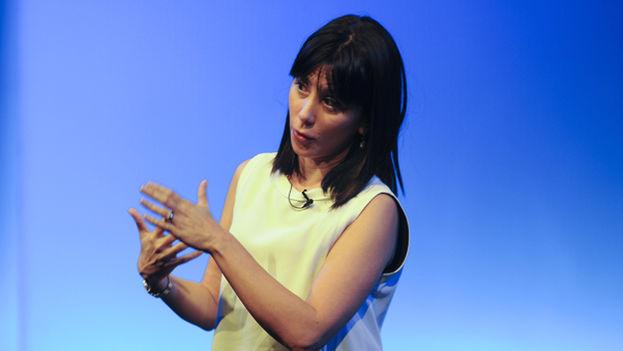 Wendy Guerra en una conferencia en la Casa de América, Madrid