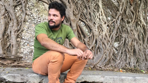 El cineasta cubano Yimit Ramírez prepara su primer largometraje, financiado parcialmente mediante 'crowdfunding'. (14ymedio)