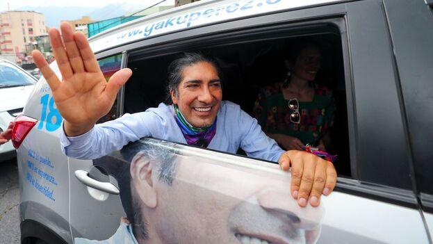 El aspirante indígena a la presidencia se siente víctima de una pinza entre la izquierda y la derecha para impedir que llegue al poder.(EFE)
