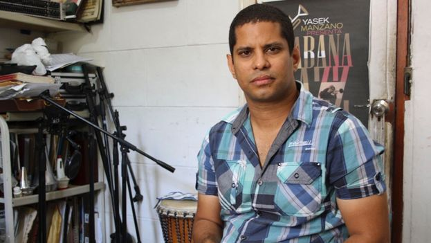 El músico Yasek Manzano. (Luz Escobar)