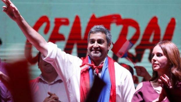 Abdo Benítez ue aclamado por centenares se seguidores en la sede de su partido tras conocerse los resultados. (Captura)