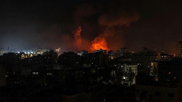 Según la Agencia de la ONU para los refugiados palestinos (UNRWA), más de 38.000 personas se refugiaron en sus escuelas tras evacuar sus hogares por temor a ataques aéreos. (EFE)