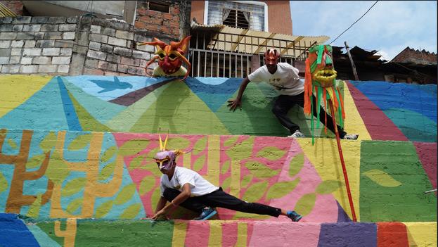 Agencia para la Reintegración Nacional está haciendo proyectos de arte en Cali para que las personas desmovilizadas en proceso de reintegración hagan actividades de servicio social. (ARN/Colombia)
