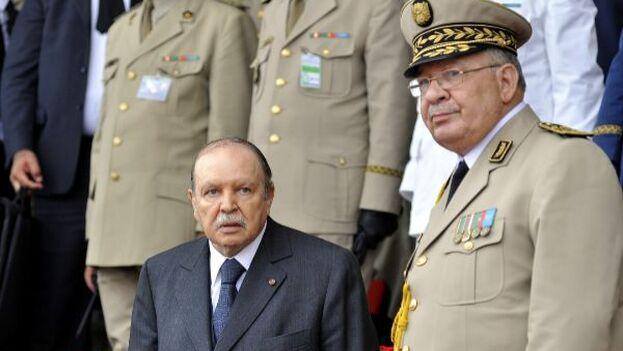 El general Ahmed Gaid Salah, hombre fuerte de Argelia en los últimos ocho meses, ha fallecido esta mañana víctima de una crisis cardíaca. (EFE)