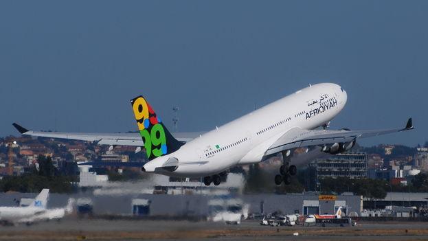 Airbus A320 de Afriqiyah Airways, como el que ha sido secuestrado esta mañana y desviado a Malta. (CC)