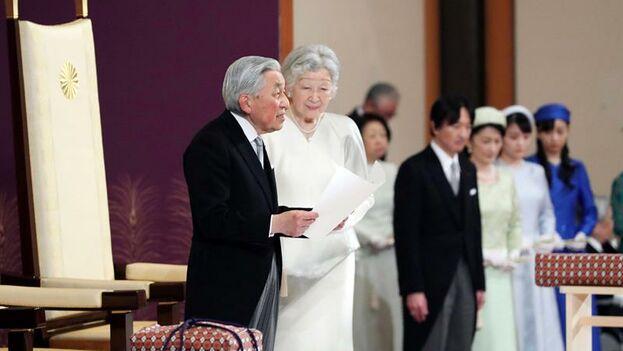 Akihito se despide como emperador de Japón y cede el trono a su hijo Naruhito. (EFE/ Asahi Shimbun)