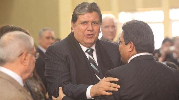 Alan García, expresidente de Perú, llegó al país el jueves para testificar y fue sorprendido con la petición de la Fiscalía de incluirlo como investigado. (Wikipedia)