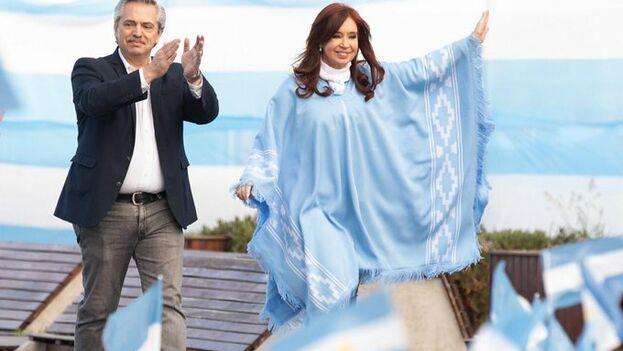 Alberto y Cristina Fernández cerraron la campaña en Buenos Aires sabiéndose favoritos en las encuestas. (afernandez)
