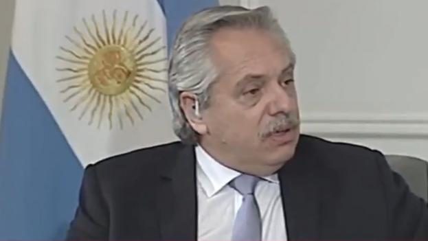Alberto Fernández en la entrevista con el canal local 'C5N' este lunes, donde habló, entre otros temas, de la reestructuración de la deuda.