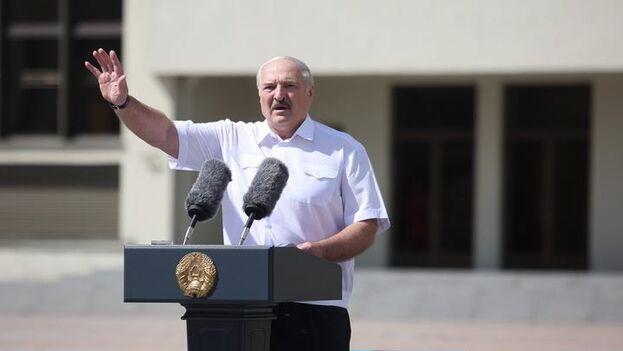 Alexandr Lukashenko habló en el primer mitin en su apoyo desde el estallido de la ola de protestas populares que sacuden el país desde hace ocho días. (Tut.by)