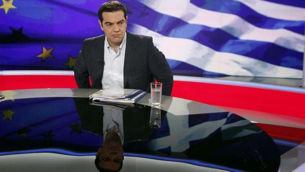 El primer ministro griego, Alexis Tsipras, durante la entrevista concedida este lunes a la televisión estatal. (Alexandros Vlachos/EFE)