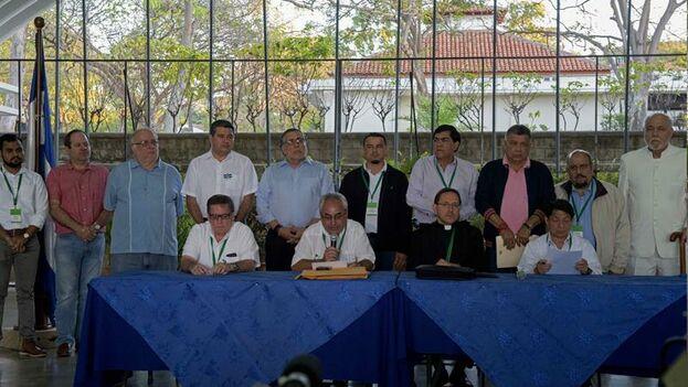 """La Alianza Cívica informó del retorno a la mesa de negociación debido a la decisión del Gobierno de Daniel Ortega de liberar en un plazo máximo de 90 días a los denominados """"presos políticos"""". (EFE/Jorge Torres)"""