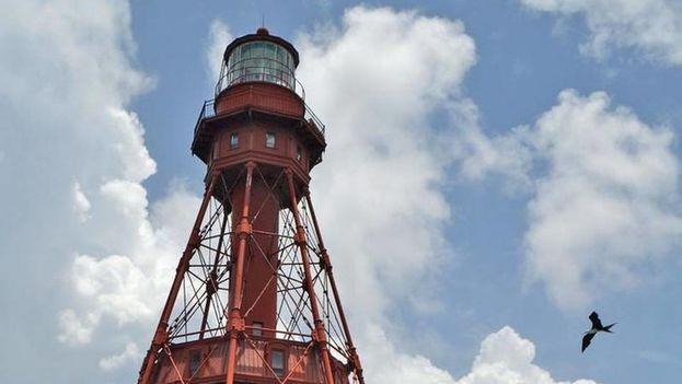 El faro American Shoal, cerca de las costas de Sugarloaf Key. (islandjanemagazine.com)