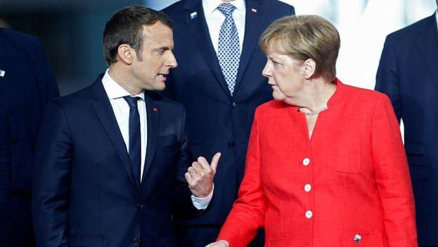 La canciller alemana, Angela Merkel, y el presidente francés, Emmanuel Macron. (EFE)