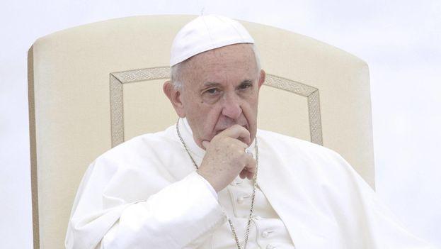"""No es la primera vez que el papa se refiere tras el rezo del Ángelus a la situación en Venezuela, pues el pasado 2 de abril hizo un llamamiento a evitar """"toda violencia"""" y abogó por buscar """"soluciones políticas"""" en el país. (EFE)"""