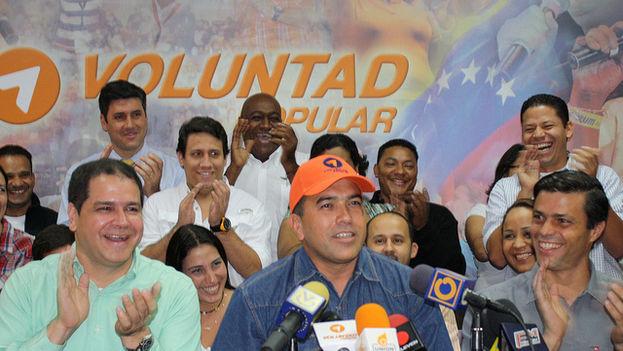 Antonio Rivero junto a Leopoldo López en un evento de Voluntad Popular en 2011. (Leopoldo López/ Flickr)