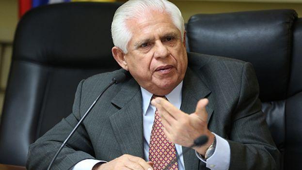 """""""Unidos debemos exigir elecciones libres y no avalar un simulacro electoral"""", defendió el presidente de la Asamblea Nacional de Venezuela, Omar Barboza, en su cuenta de Twitter. (EFE)"""