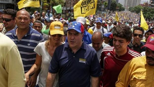El presidente de la Asamblea Nacional de Venezuela, Julio Borges, llamó a rebelarse ante el anuncio de una nueva constituyente. (EFE)