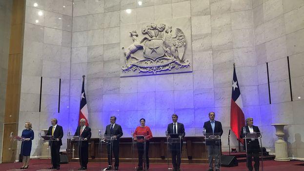 El debate, organizado por la Asociación Nacional de Prensa, fue el primero al que acudieron todos los aspirantes a llegar al Palacio de La Moneda. (@HernanLarrainF)