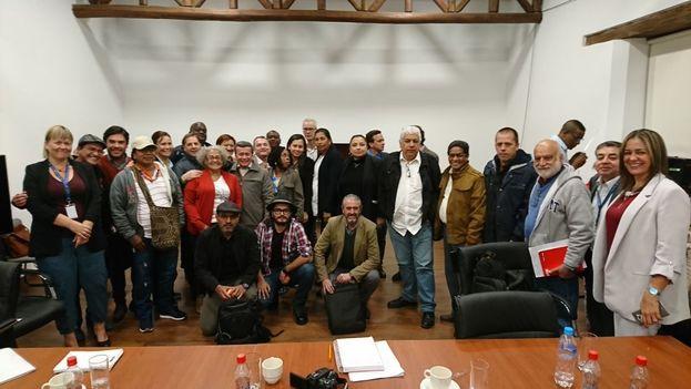 Audiencia de comunidades de Chocó con la guerrilla y Gobierno en Quito. (@ELN_Paz)