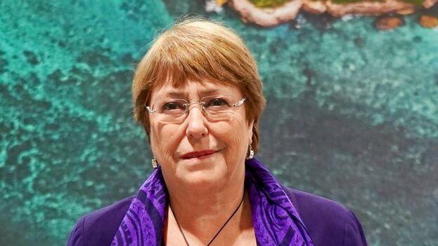Bachelet instó nuevamente a que se libere a los prisioneros por razones políticas, incluidos algunos militares. (@MichelleBachelet)